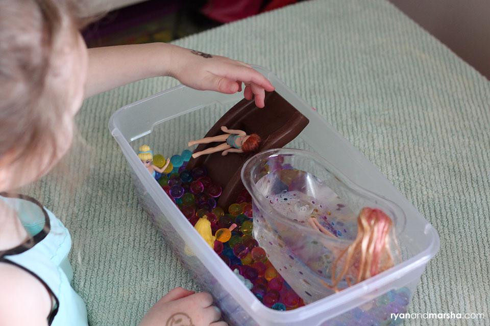 barbie-water-bead-play6