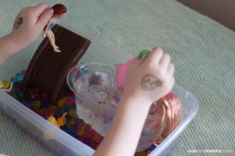 barbie-water-bead-play7
