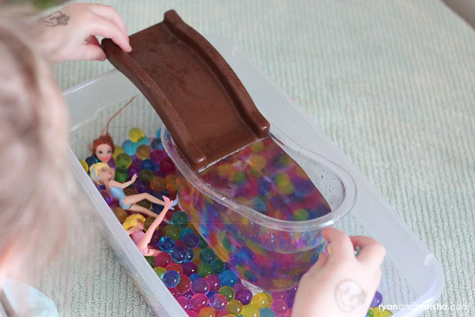 barbie-water-bead-play8